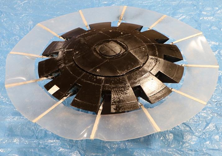 円盤型胸びれ水中ロボット